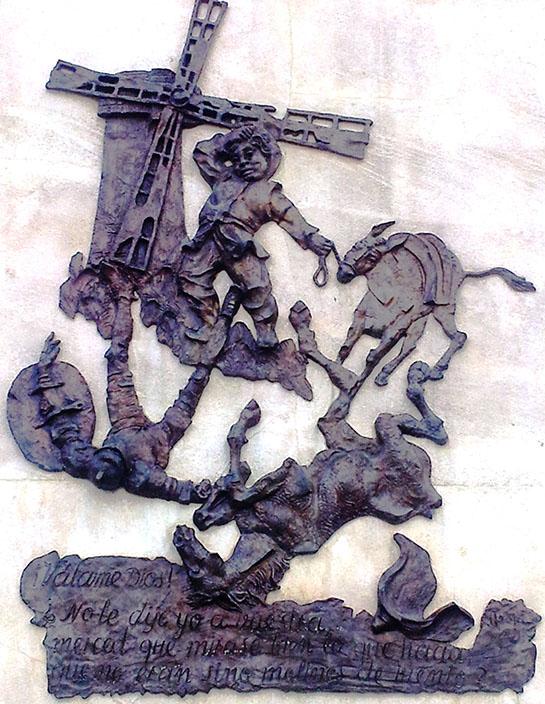 Bajorrelieve frontal (Autor: José -Pepe- Noja) del monumento a Cervantes en Alcalá de Henares.